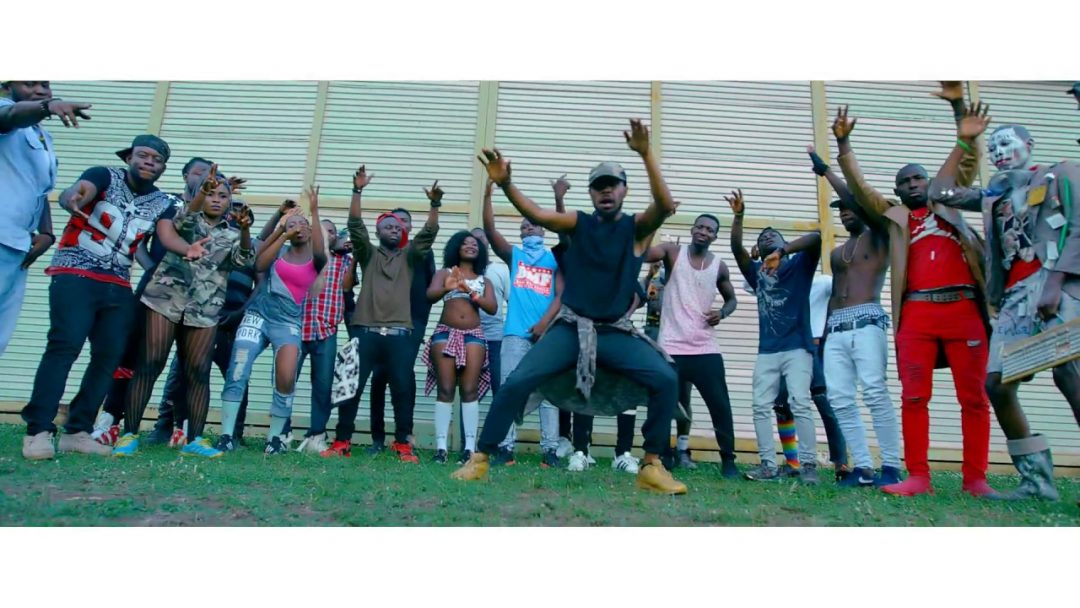 Tinny ft Samini – Ame Fee Dede (Official Video)